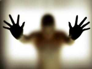يأثم من نظر إلى ماحرم الله بغير قصد