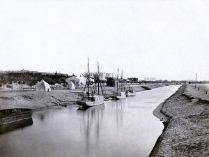 متى تم تدشين قناة السويس وما هو أثرها في علاقات مصر الخارجية