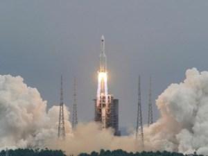 سقوط الصاروخ الصيني الخارج عن السيطره