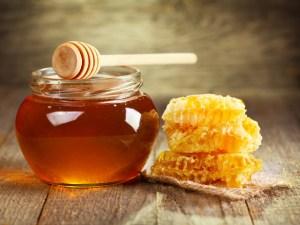 اضرار العسل للحامل والجسم بشكل عام