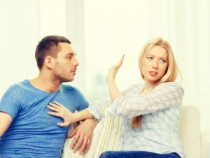 كيف تجعل زوجتك تحبك وانت بعيد عنها