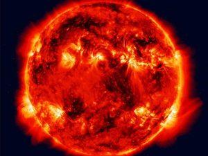 ما هو عمر الشمس