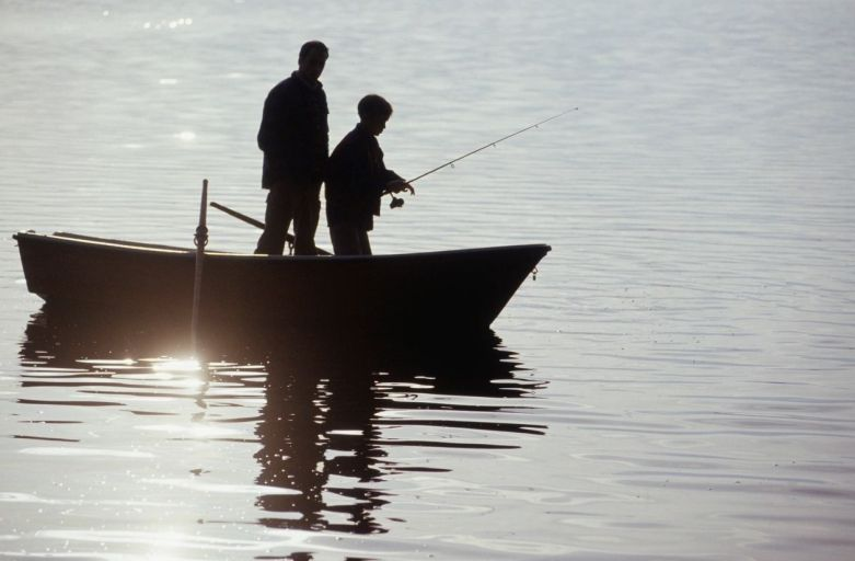 Maximum of three passengers on fishing boat during curfew