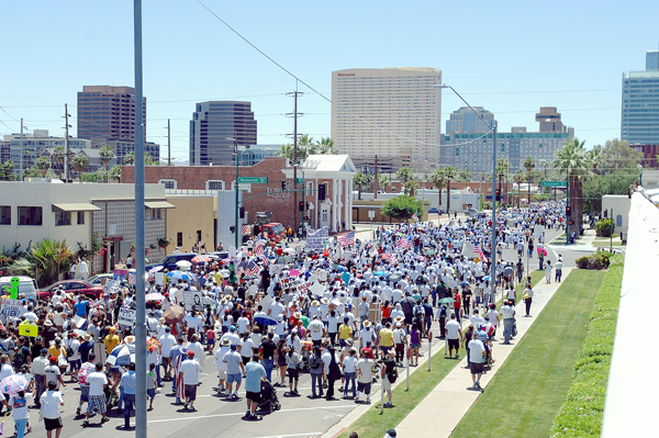 Tens of Thousands March in Phoenix Against SB 1070 - Photo: José Muñoz