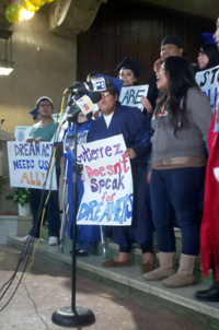 Sonia Guinansaca from the NYSYLC criticized Rep. Luis Gutierrez for not always supporting the DREAM Act as a stand-alone bill - Photo: Catalina Jaramillo