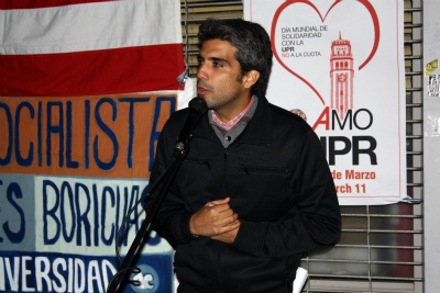 UPR student activist Arturo Otlahu Rios speaking to an audience in New York City