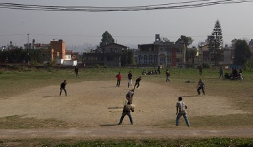 Cricket players in India (Photo: Robert Nilsson/flickr)