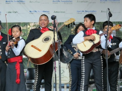 Students at the Mariachi Academy of New York. (Photo: Justin Mitchell/Fi2W)