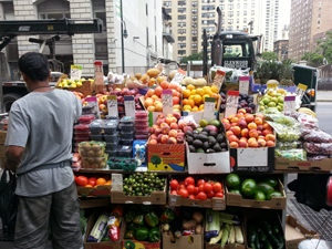 Palash Das Gupta with his fruit and vegetable cart in Union Square. (Photo: Alexis Medina)