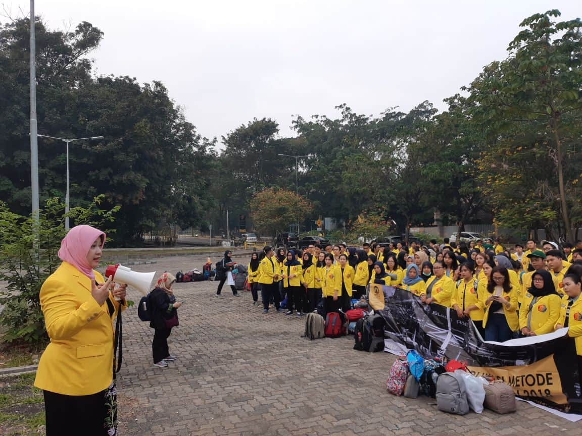 Hundreds of FIA UI Students Apply Research to Tegal