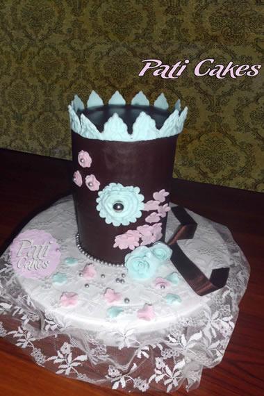 Pasteles de boda estilo vintage sabor chocolate  Fiancee Bodas