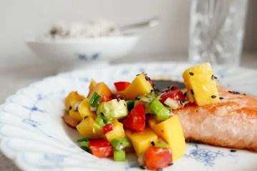 Lax med mangosallad