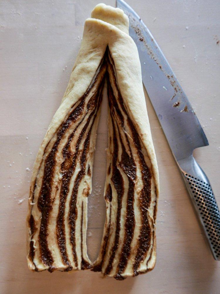 Chokladbabka innan den är flätad