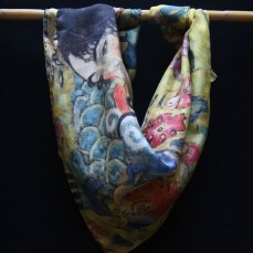 """Carré de soie Klimt """"Dame avec un éventail"""" - Fibra Creativa"""