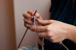 kids-intro-knitting