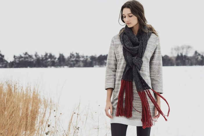 Silver Bay Scarf by Cleo Malone. (© blue sky fibers)