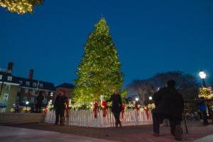 old-town-christmas-tree-lighting