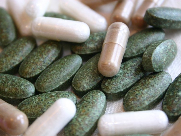 Top 5 Estrogen Lowering Supplements To Help Shrink Fibroids Naturally