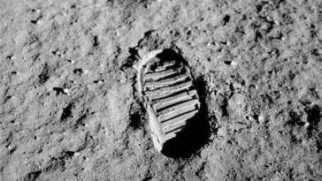 Footprint on the moon — 1969
