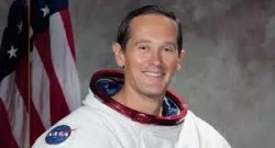 Walking on Moon - Davit Scott - NASA