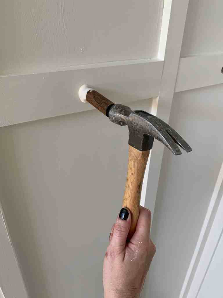 how to make a shaker peg rail inspired entryway rack