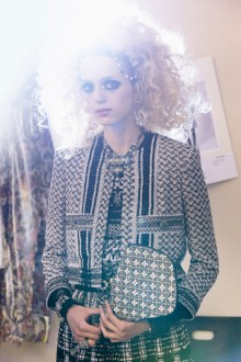 chanel-cruise-2014-15-backstage-09