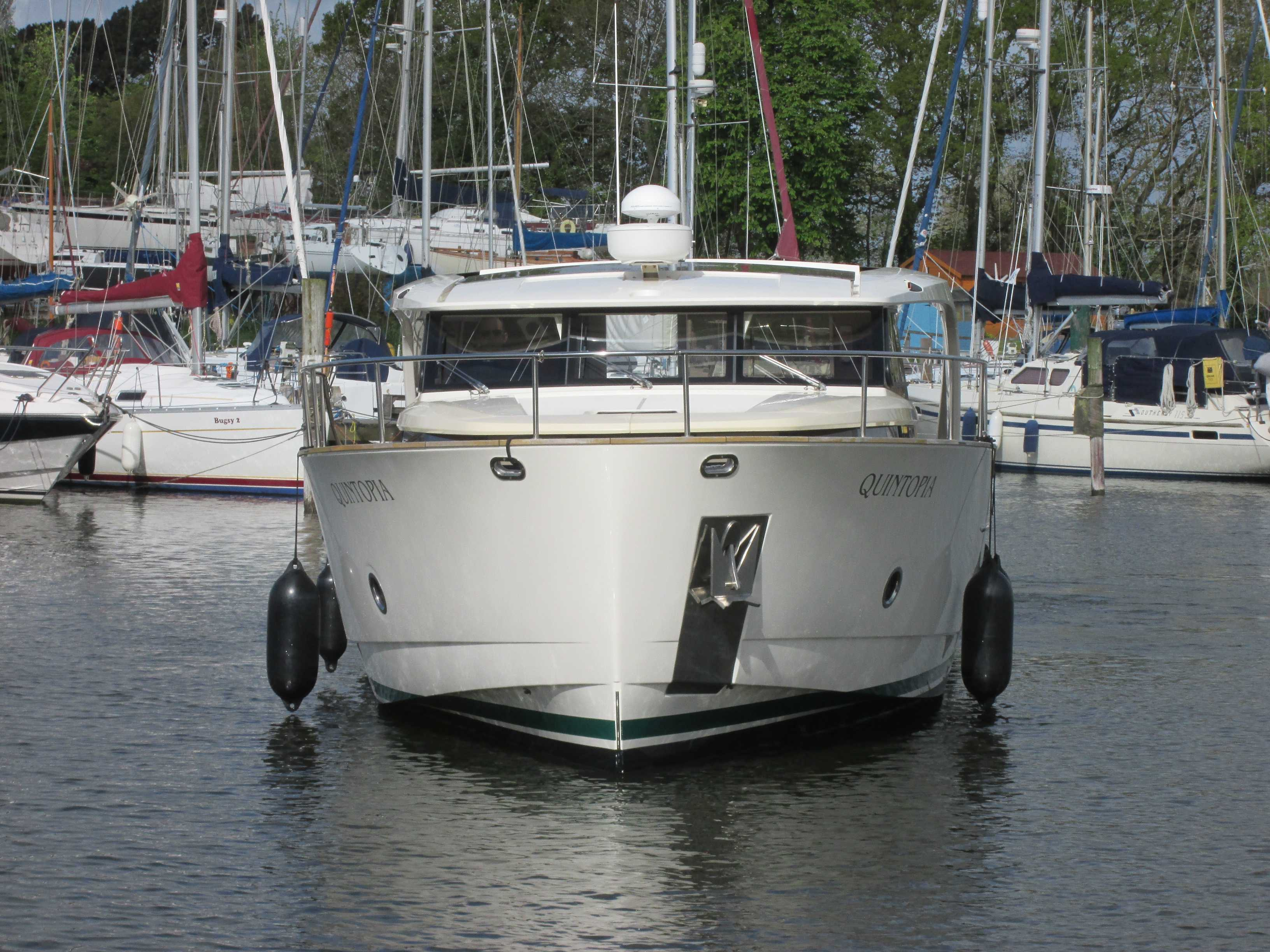 Pre-purchase Survey of Greenline 40 Motor Yacht