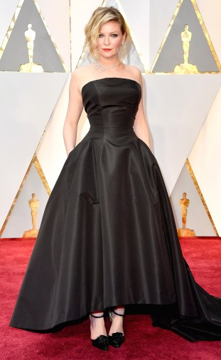 HOLLYWOOD, CA - FEBRUARY 26: Actor Kirsten Dunst attends the 89th Annual Academy Awards at Hollywood & Highland Center on February 26, 2017 in Hollywood, California. (Photo by Steve Granitz/WireImage)