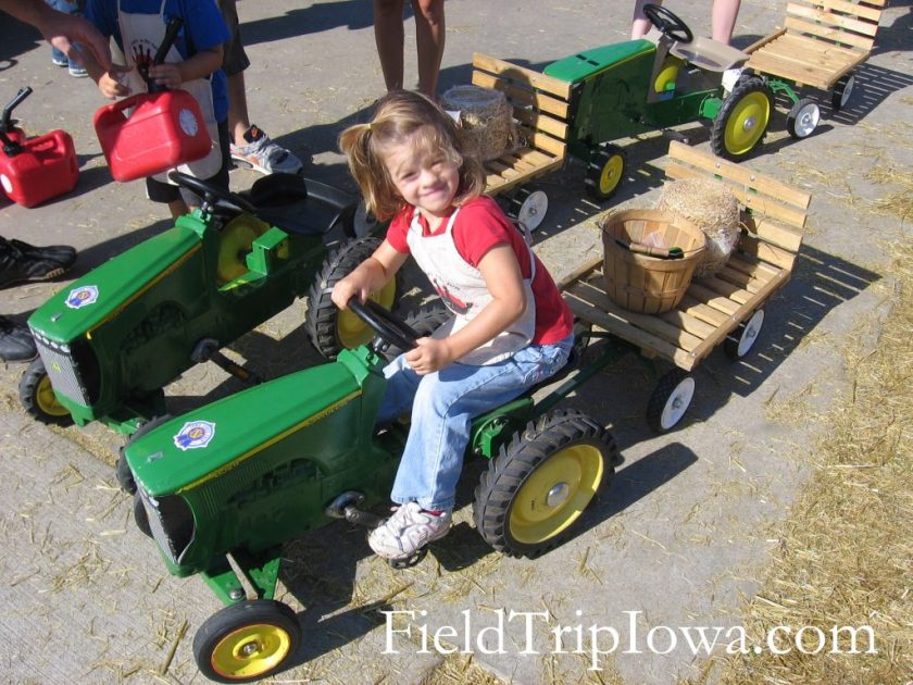 Iowa State Fair Little Hands on the Farm tractor ride