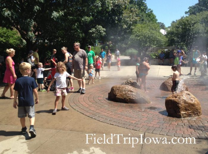 Iowa State Fair kids playing in water Pella Plaza