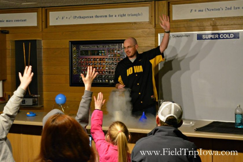 Scince Demonstration at Bluedorn Science Imaginarium in Waterloo Iowa.