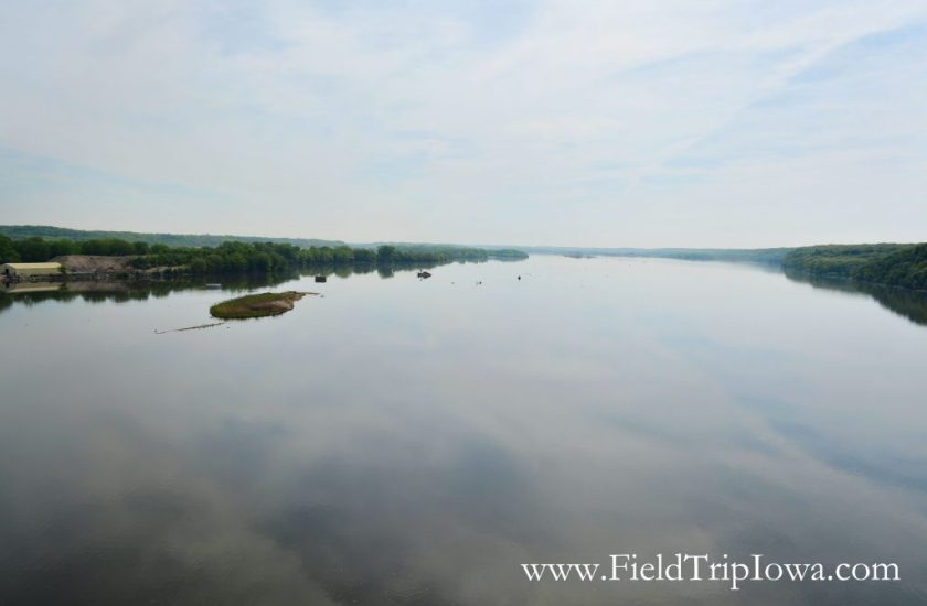 Illinois River as seen from overlook in Starved Rock State Park, IL