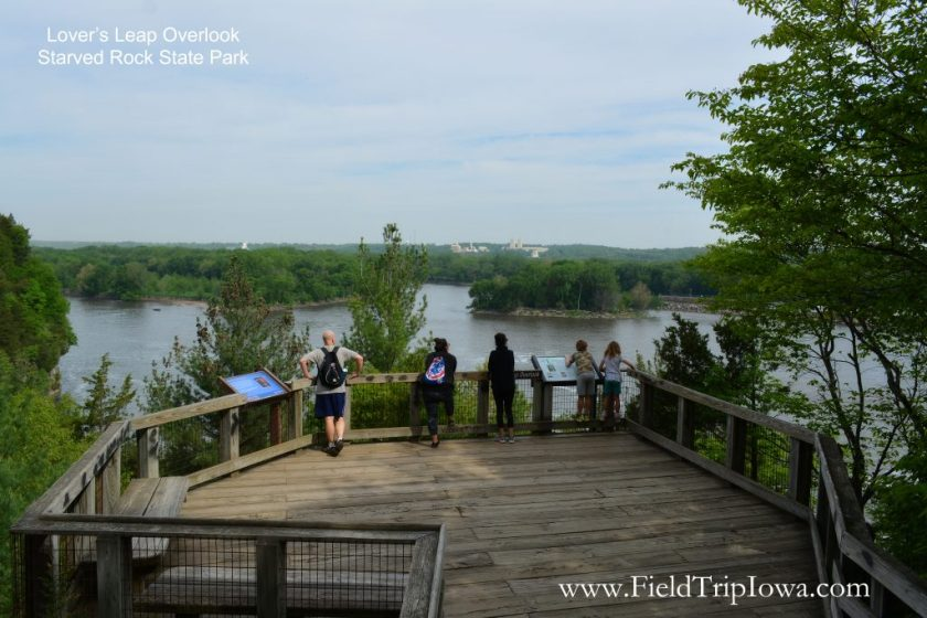 Lover's Leap overlook in Starved Rock State Park, IL