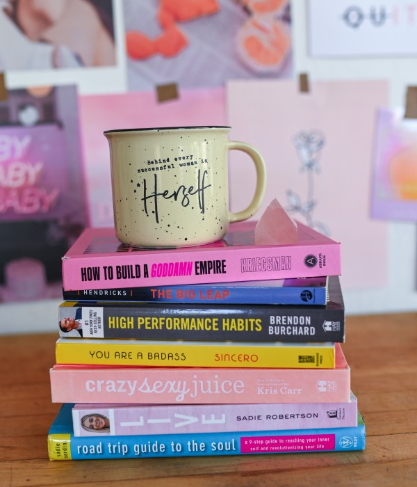 3 Books To Read This Summer To Help You Level Up & Grow Fast!