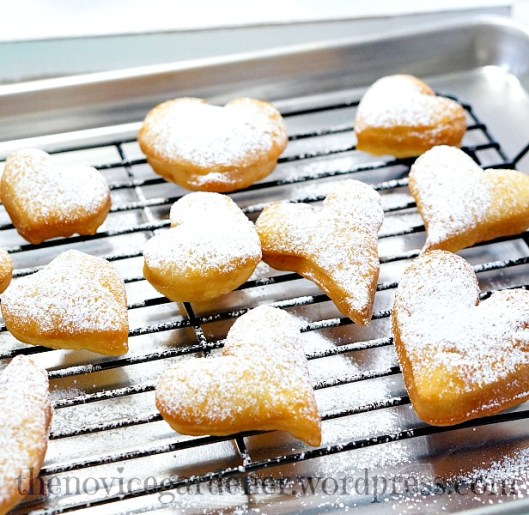 heart shaped beignet donuts