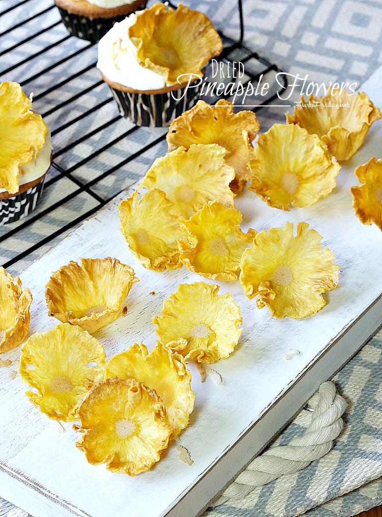 dried pineapple flowers   fiestafriday.net