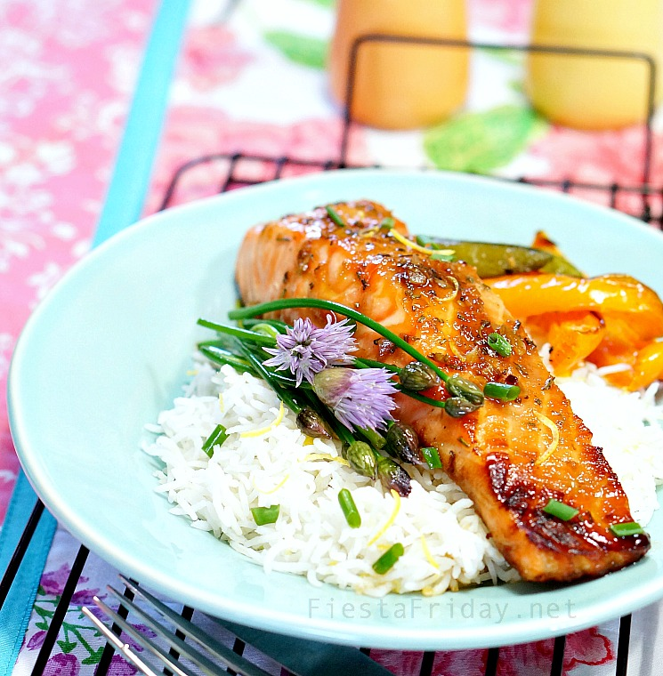 honey soy broiled salmon | fiestafriday.net