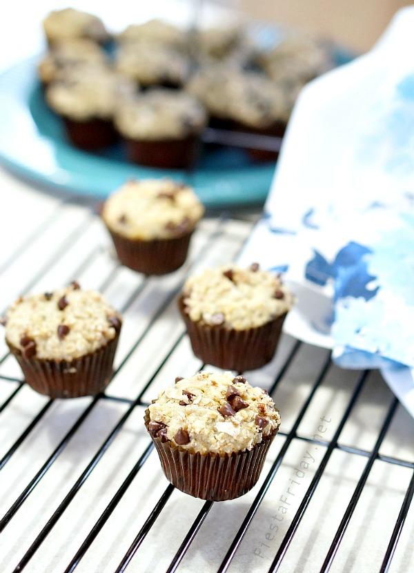 skinny oatmeal banana muffins | fiestafriday.net