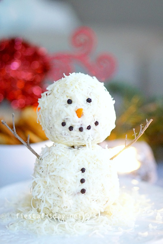 snowman cheese ball | fiestafriday.net