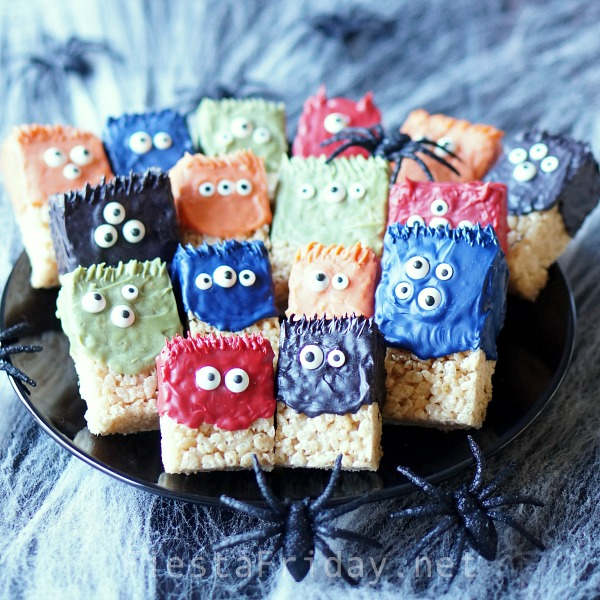 halloween-rice-krispie-treat-monsters | fiestafriday.net