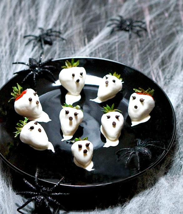 halloween-strawberries | fiestafriday.net