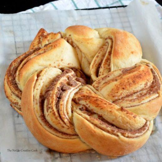 monggo-braided-bread