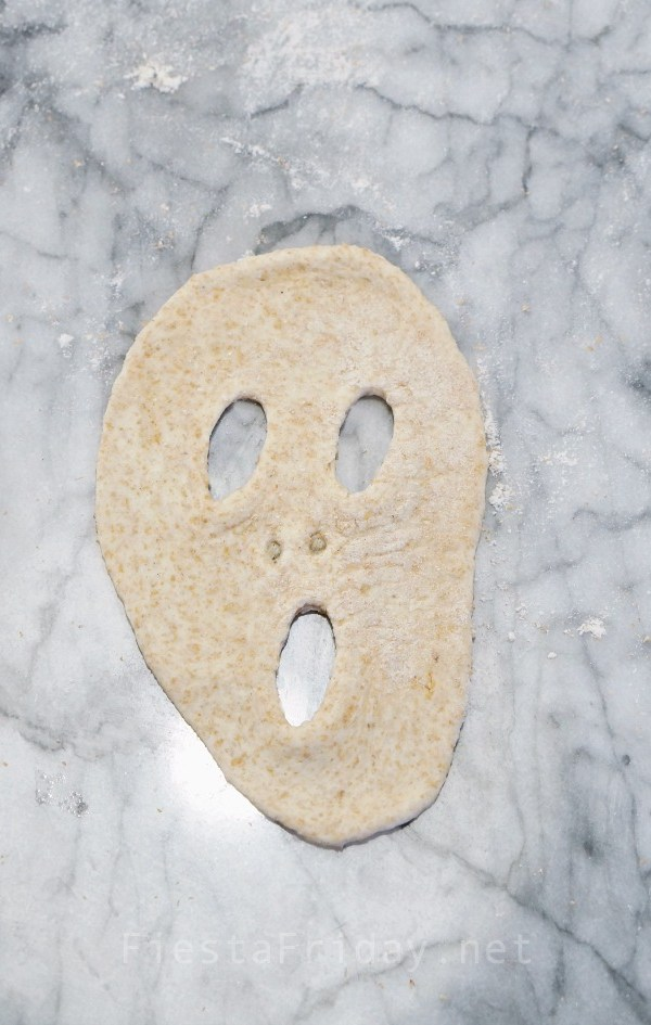Screaming Face Naan | FiestaFriday.net