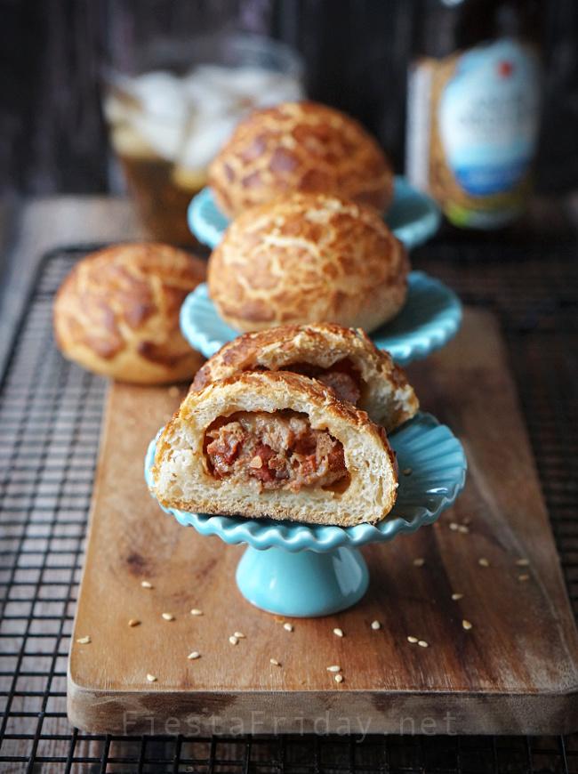 Ham and Cheese Slider Appetizers with Dutch Crunch Rolls as the base #appetizer #slider #dutchcrunchbread #tigerbread #giraffebread #tijgerbrood #tijgerbol #marcopolobread