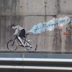 6juli2011 Wielerkunst op de tunnelwand