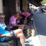 7juli2011 Koffie aan de markt in Medesano, vlak voor de eerste klim in de Apennijnen