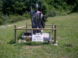 14juni2012_8_De vorige paus, Woytyla, hield hier een contemplatief wandelingetje