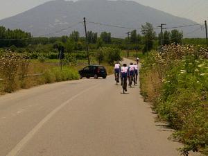 16juni2012_4_Op weg naar De Berg. 42 gr, we schroeien op het asfalt