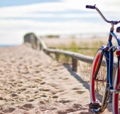 Bicicleta de paseo en la playa