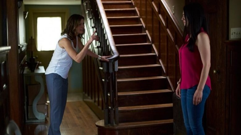 staircase, 2 women fighting